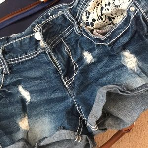 Pants - 💫super cute barely worn sz 3 jean shorts